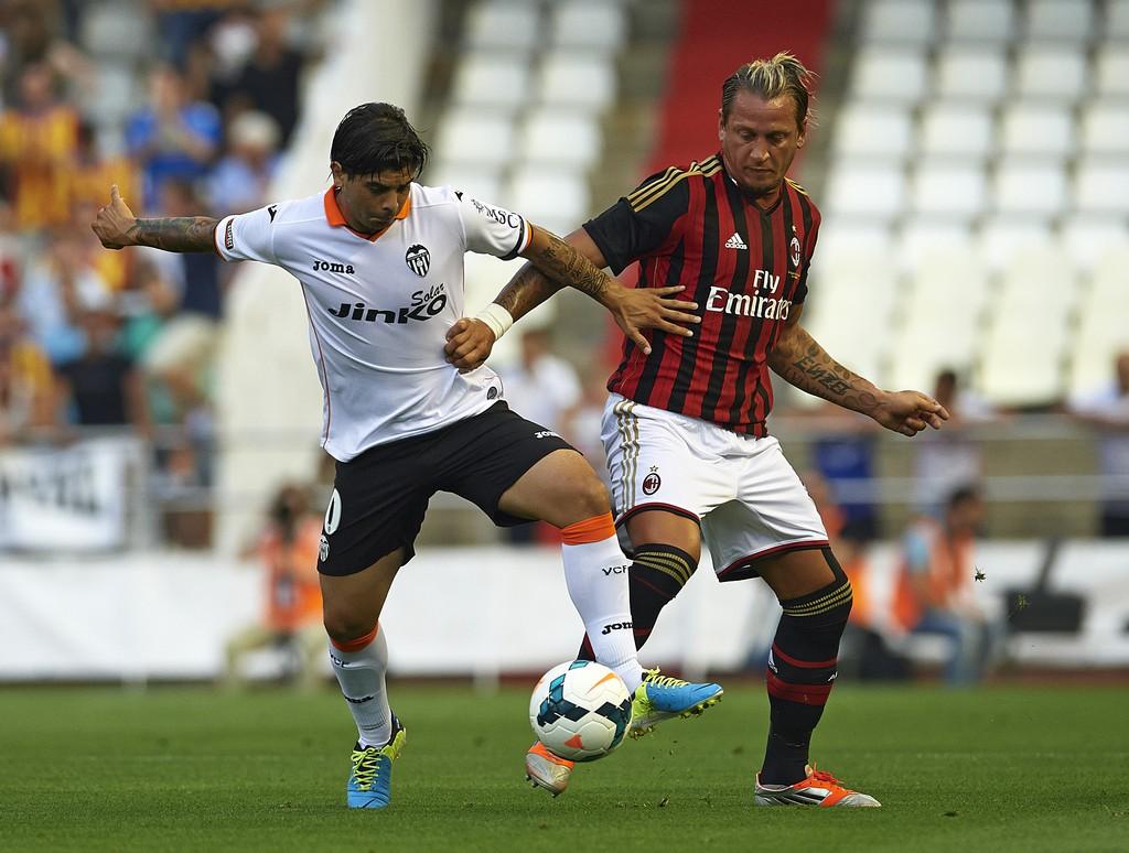 Valencia+v+AC+Milan+Pre+Season+Friendly+RYldKMj4JcVx