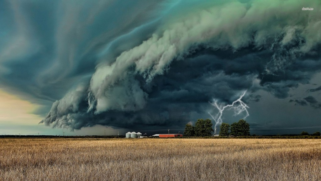 17579-storm-clouds-over-the-barn-1920x1080-world-wallpaper