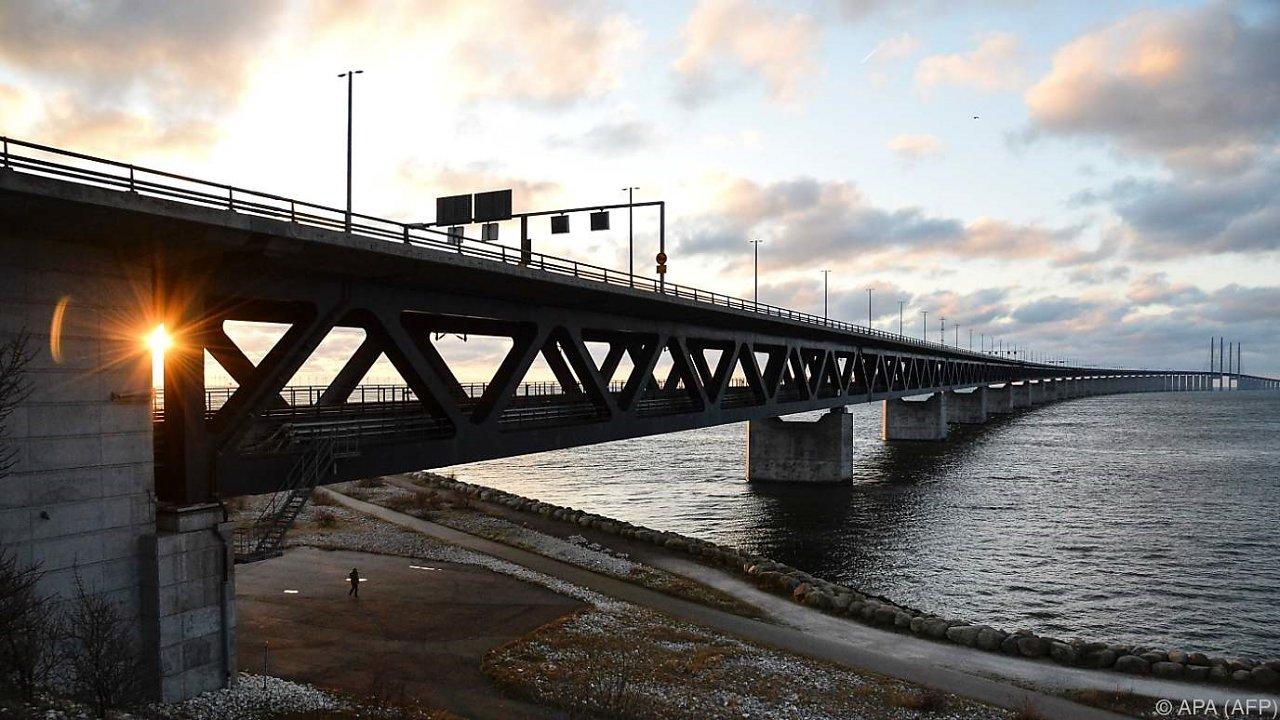 schweden-startete-ausweiskontrollen-an-grenze-zu-daenemark-41-61963479 (1)